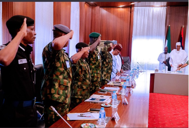 Security: Buhari meets Northern governors, service chiefs behind closed doors