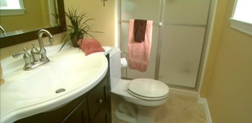 How To Remodel A Small Bathroom On A Budget Todays Homeowner Page - Small bathroom updates on a budget