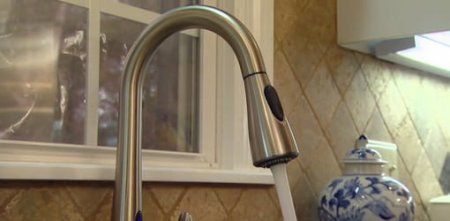 Moen MotionSense Kitchen Faucet   Today s Homeowner Moen MotionSense kitchen faucet in stainless steel finish