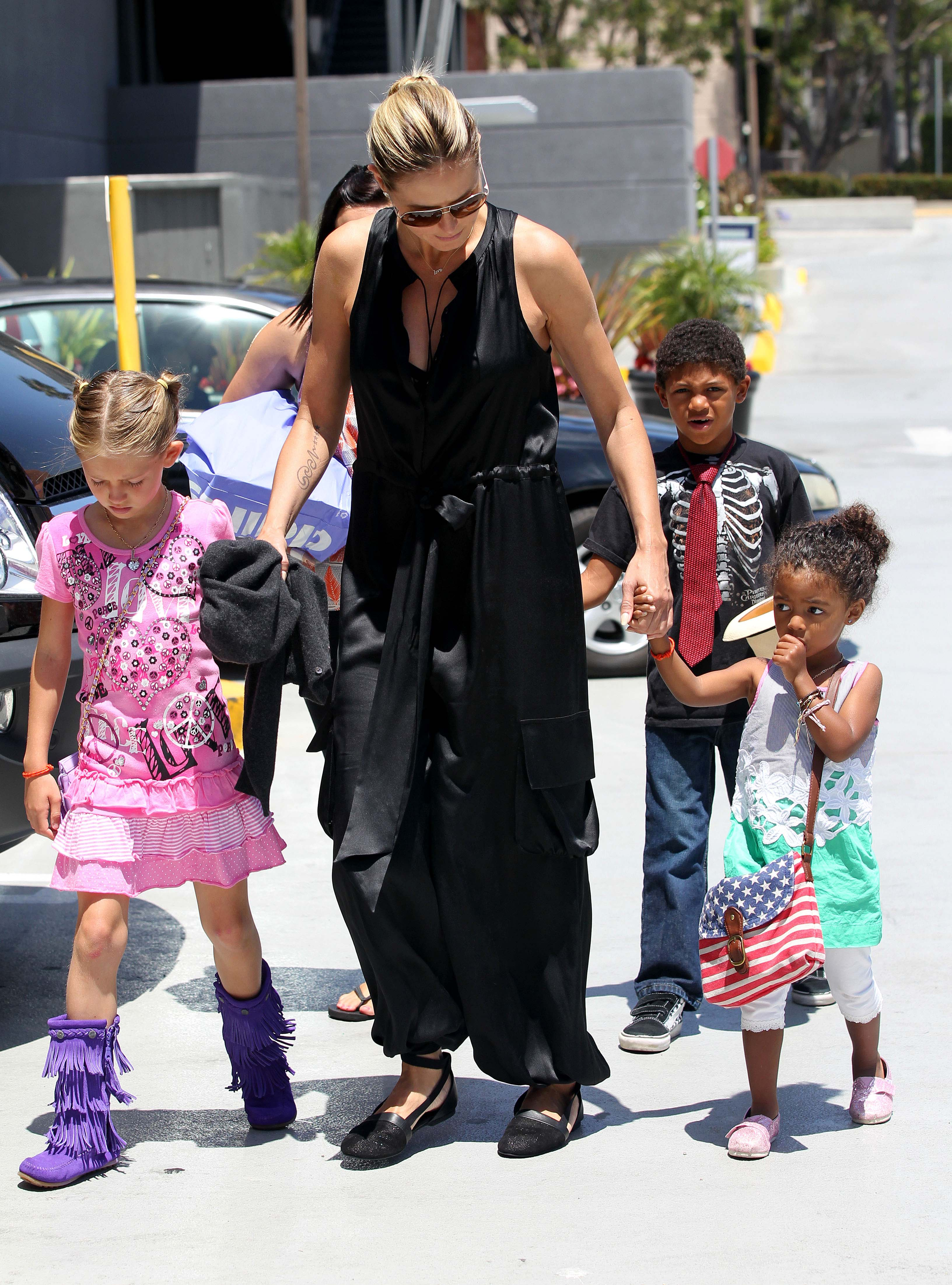 Heidi Klum Takes The Kids To The Movies Todays Parent