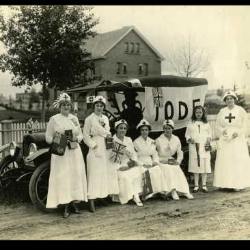 Red Cross volunteers with vehicle that had been purchased for them by the local I.O.D.E., 1916. Photo
