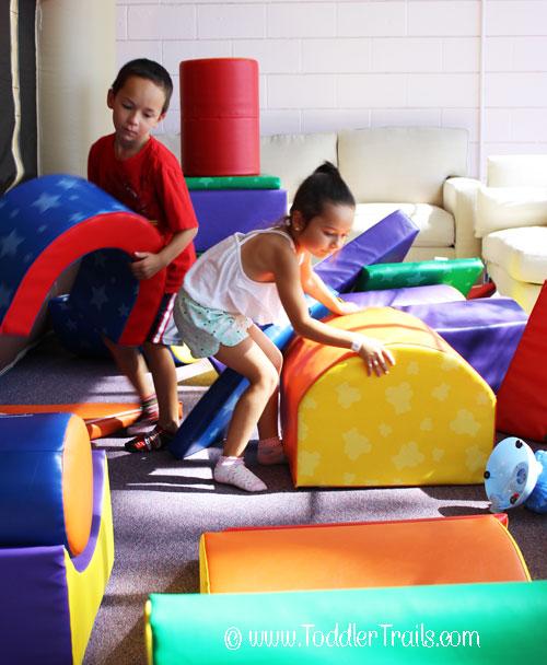 Jumping Kids Fun Building