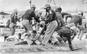 john-lewis-beaten-edmund-pettus-bridge-0307653