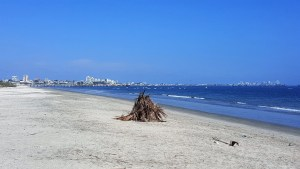 Cautivo beach in Libertad looking toward Salinas