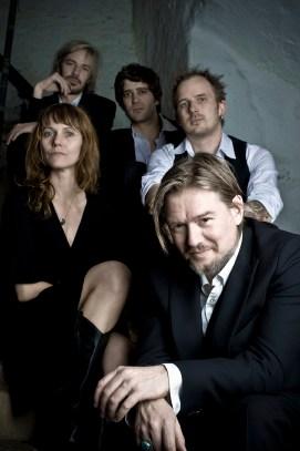 GRABER 2008 mit Jan Graber, Monic Mathys, Boris Müller, Siro Müller und Thomas Winkler (von vorne nach hinten). Foto: Corinne Koch.