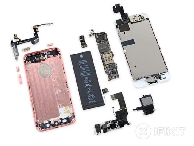 iPhone SE desmontado