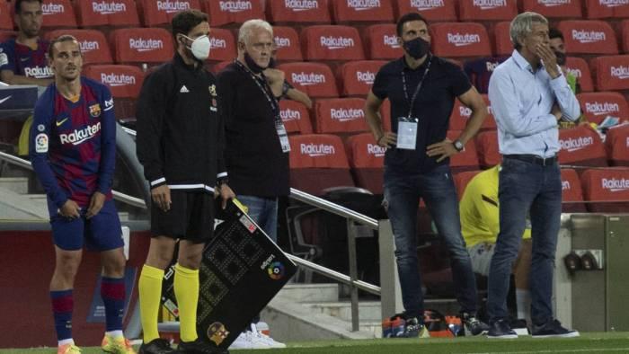 Simeone al ver entrar a Griezmann.