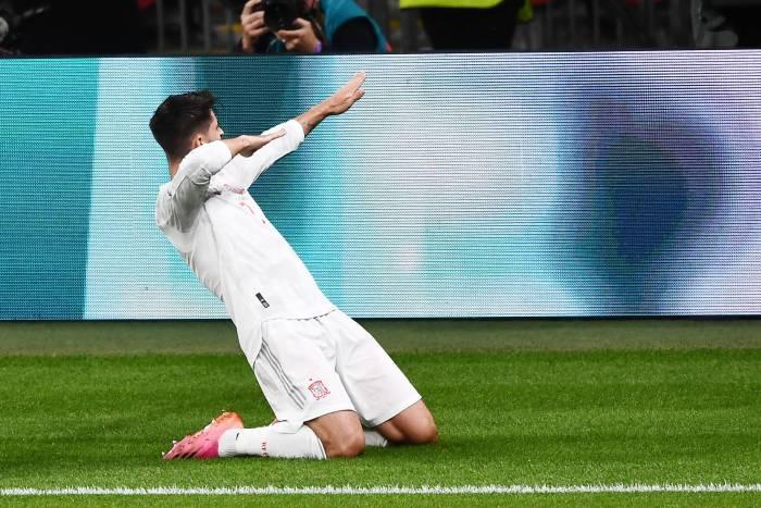 VIDEO El partido que ya nunca olvidará Morata: lo que hizo tras el penalti de Jorginho lo explica todo
