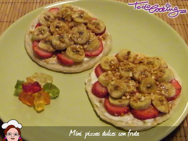 Mini-pizzas dulcecon frutas