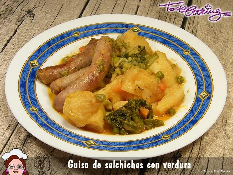 Guiso de salchichas con verduras