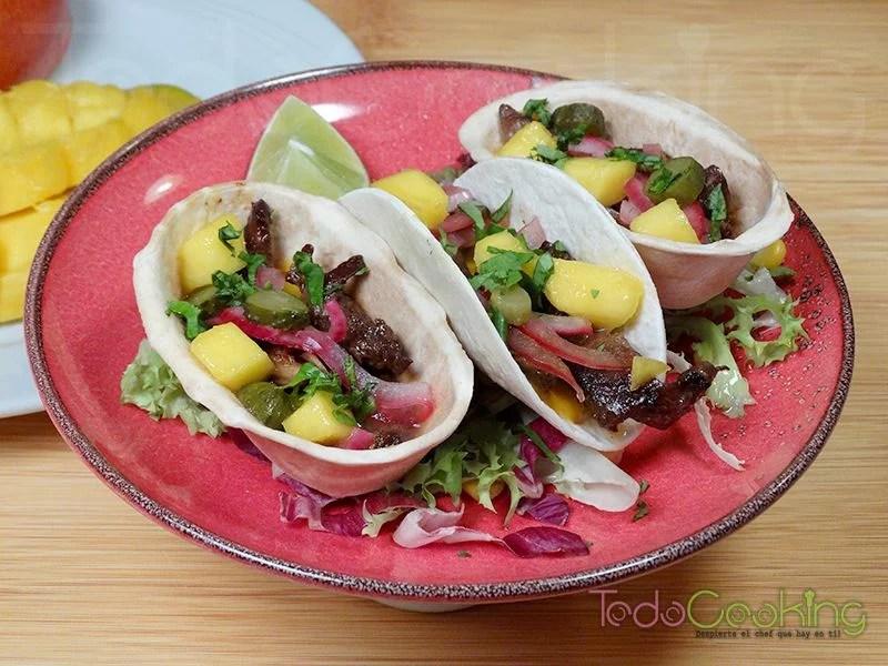 Tacos de pollo marinado con salsa de mango 02