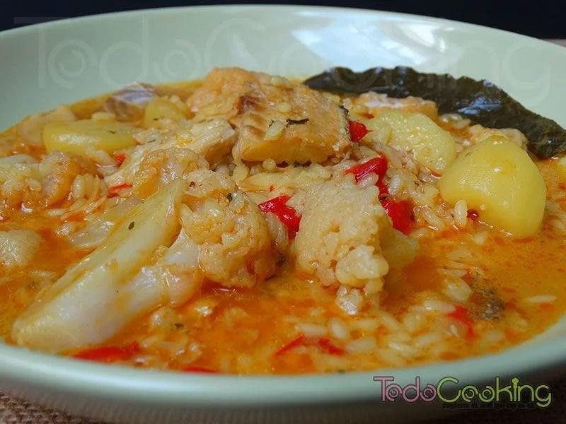 Arroz caldoso con bacalao patata y coliflor - recetas fáciles de toda la vida