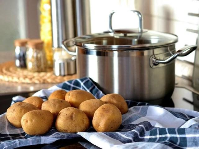 patatas y cacerola