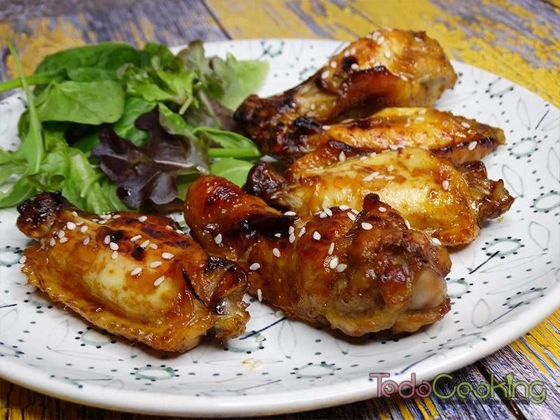 Alitas de pollo con soja y miel