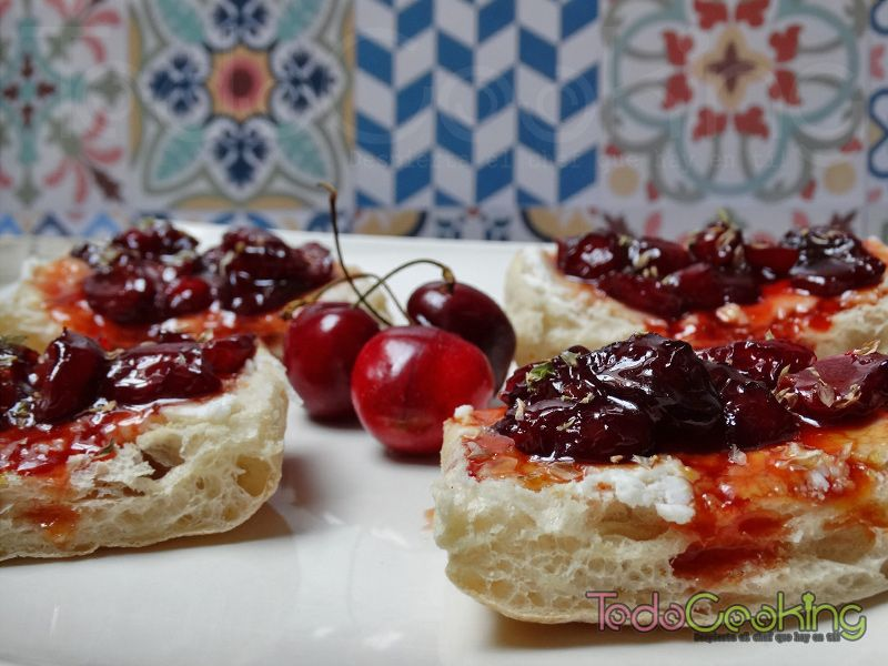 Tostas de cerezas con queso de cabra 04