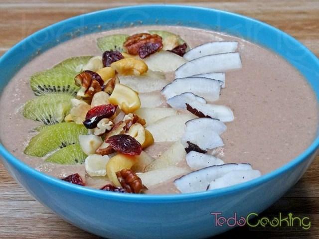 Smoothie bowl de cacao y avena 04