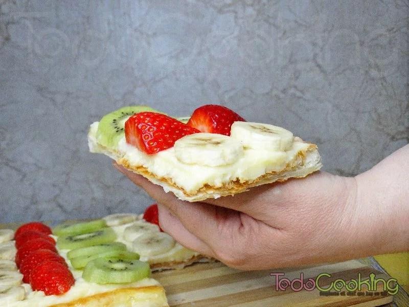 Tarta de hojaldre con frutas y crema pastelera 04