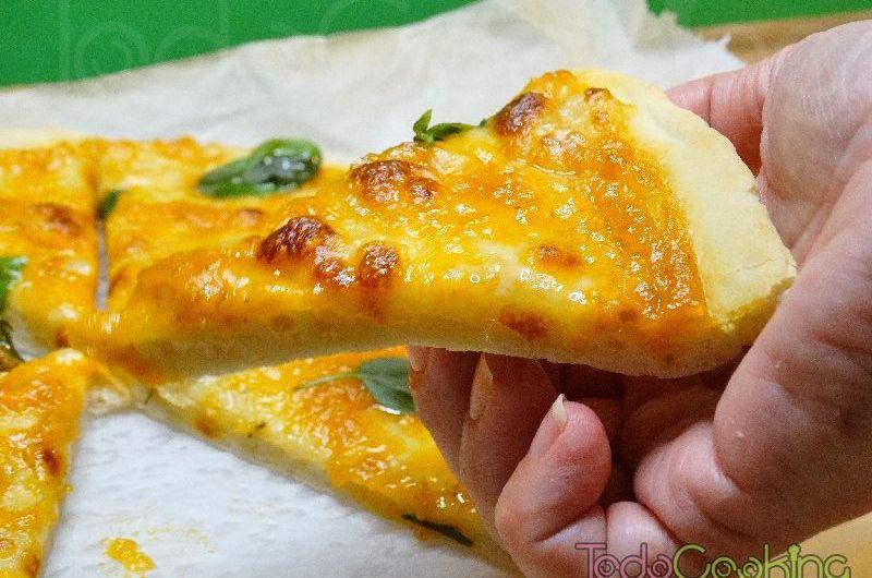 Pizza Margarita, con masa casera en MyCook Touch de Taurus