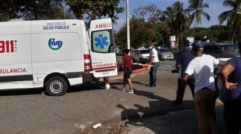 ACCIDENTE ENTRE VARIOS VEHÍCULOS DEJA UNA MUJER ATROPELLADA Y UN HOMBRE HERIDO