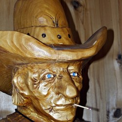 tallado-de-madera-vaquero
