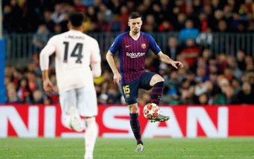 El Barcelona encauza la renovación de Lenglet