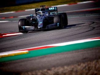 Valtteri Bottas, en los test de Barcelona con el Mercedes 2019