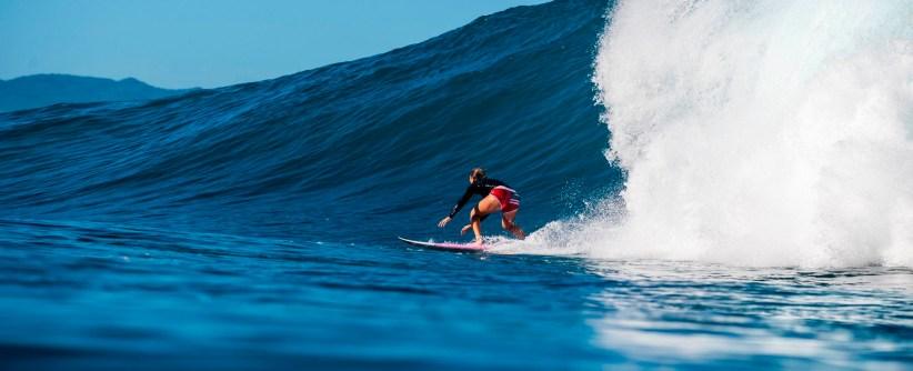 John John Florence y Carissa Moore ganan el Vans Triple Crown Of Surfing