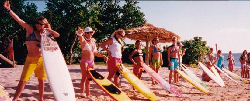 """GIRLS CAN'T SURF"" – El documental sobre el origen del surf femenino competitivo"