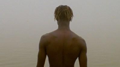 Cherif Fall la joven promesa del surf en Senegal