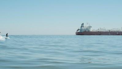 Descubre el Tanker surfing