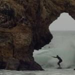 Descubre a los Weird Kids, surfeando en las olas más locas