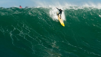 Empieza el periodo de espera para las olas en La Vaca Gigante