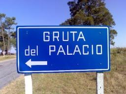 Camino a la Gruta del Palacio