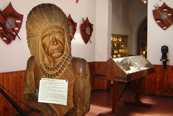 Escultura indígena en el Museo del Indio y del Gaucho