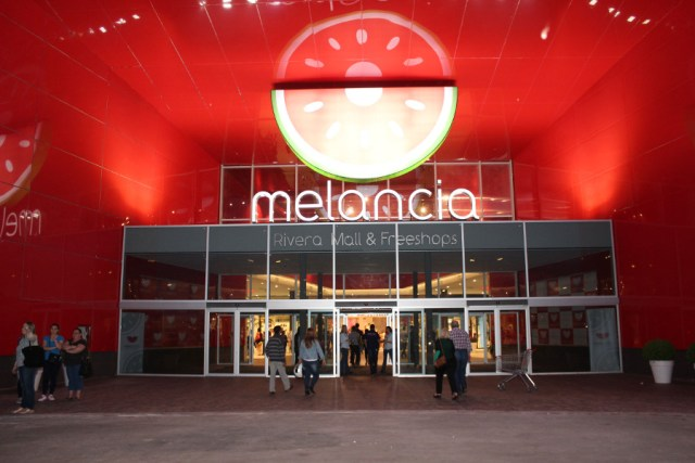 Entrada del Shopping Melancía