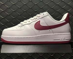 NIKE Air Force 1 '07 Blancas y Rojas