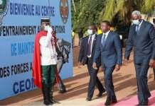 le Président de la transition du Mali Bah N'Daw (d) en visite au Togo en compagnie de Faure Gnassingbé | Photo : DR / Fraternité
