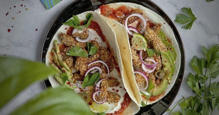 Taco; crispy jackfruit met hennepzaad