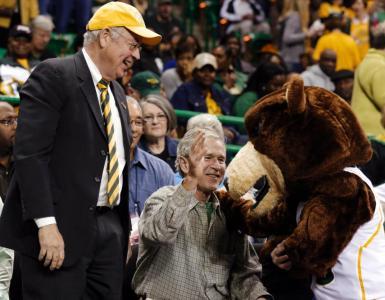 george-w-bush-bear-hug