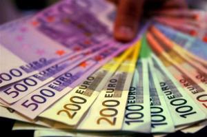 l-argent-peut-faire-tourner-les-tetes