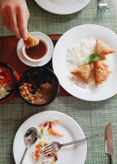 Mjanmarska kulinarika z značilnimi indijskimi vplivi