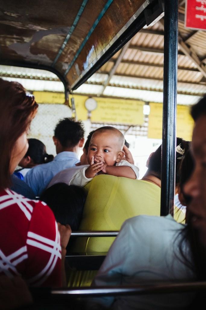 "Pot iz Kinpuna Iz Kinpuna na ""Zlato skalo"", Mjanmar"