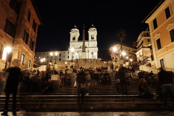 Španske stopnice ponoči, izlet v Rim