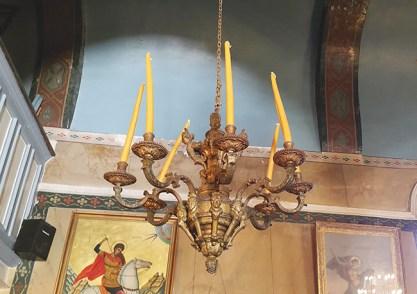Ο πολυέλαιος του Χουρσίτ Πασά, που δώρισε στο χωριό ο Θεόδωρος Κολοκοτρώνης