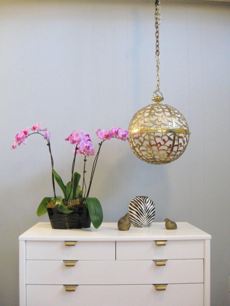 karakusa globe via a storied style