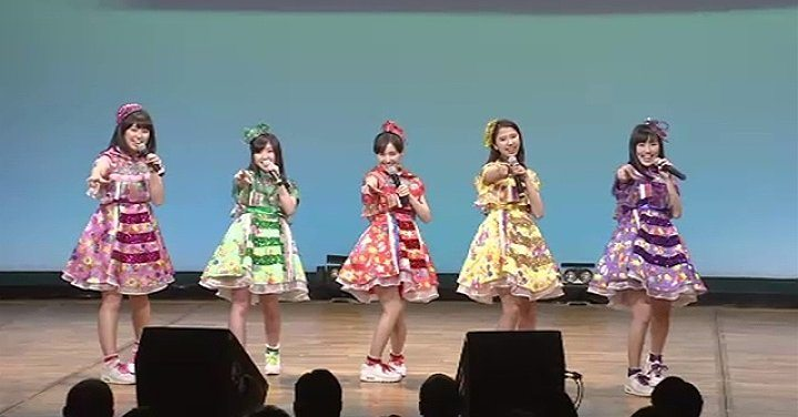 Idol group Momoiro Clover Z participated in an event to prevent train-related molestations