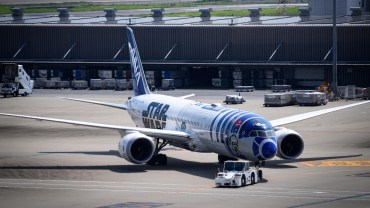 ANA's Star Wars themed jets