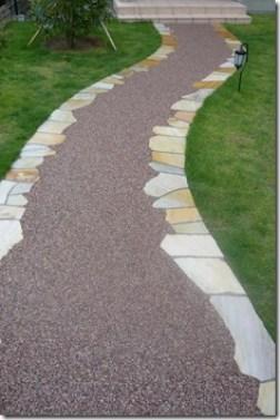 天然石と樹脂舗装のアプローチ