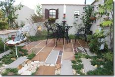 deas patio exhibitionhall summer066