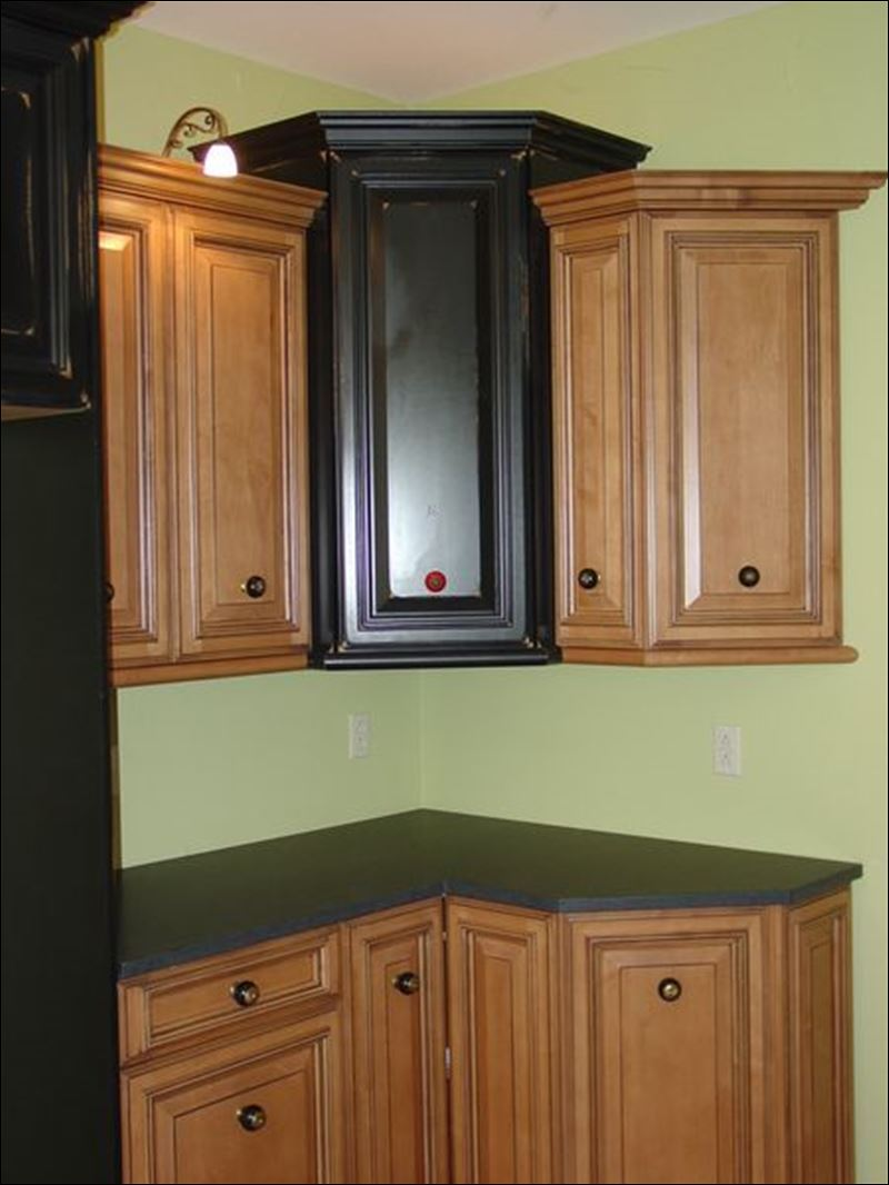 Featured Home of the Week -- 5153 Kuenzler Drive - Toledo ... on Maple Cabinets With Black Granite Countertops  id=58112
